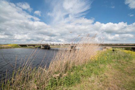 Brug waar de Nieuwe Zijdseweg over over het riviertje de Groote of Achterwaterschap loopt.
