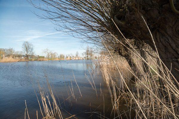 Doorkijkje op riviertje De Alblas
