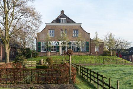 Monumentale boerderij Noordzijde 58 Oud-Alblas