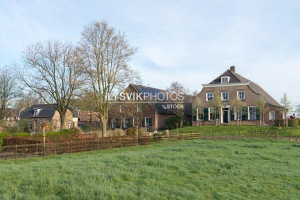 Boerderijen Noordzijde 58 en 60 te Oud-Alblas