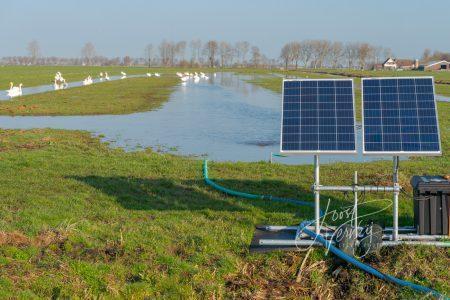 Plas dras installatie in polder