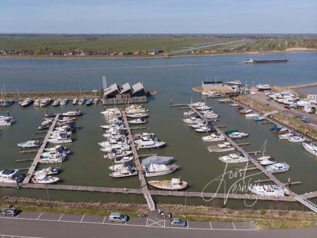 Luchtfoto jachthaven Liesveld