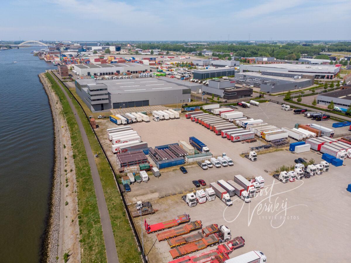 Luchtfoto truckparking Braanker Logistics