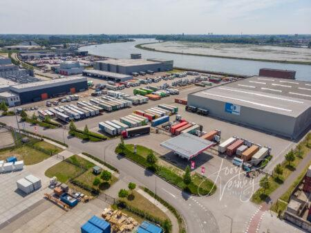 Luchtfoto truckparking Klein Transport