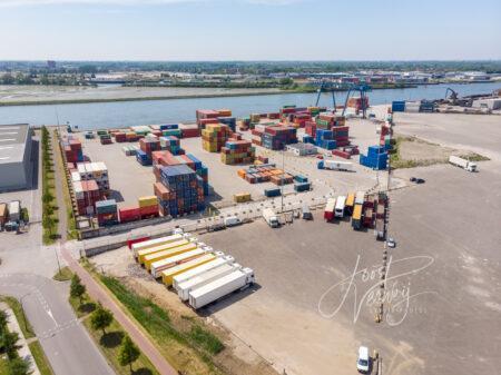 Luchtfoto container transferium BCN
