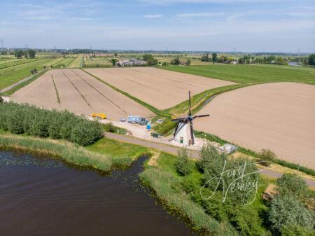 Luchtfoto Souburghse molen met wieken