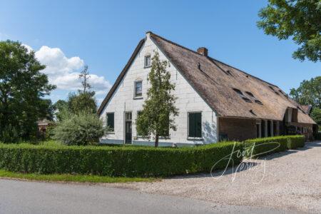 Monumentale boerderij Westeinde in Wijngaarden