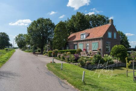 Woningen aan het Oosteinde in Wijngaarden