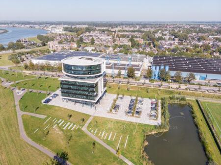 Luchtfoto hoofdkantoor Fokker Papendrecht