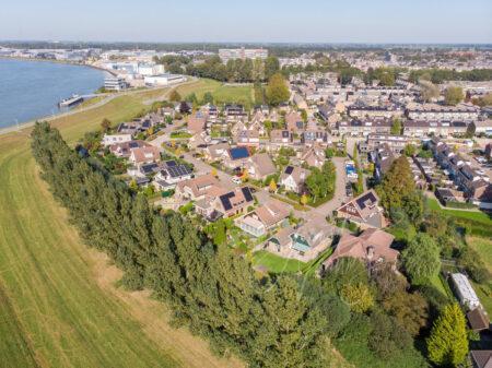Luchtfoto Nicolaas Beetsstraat in Papendrecht