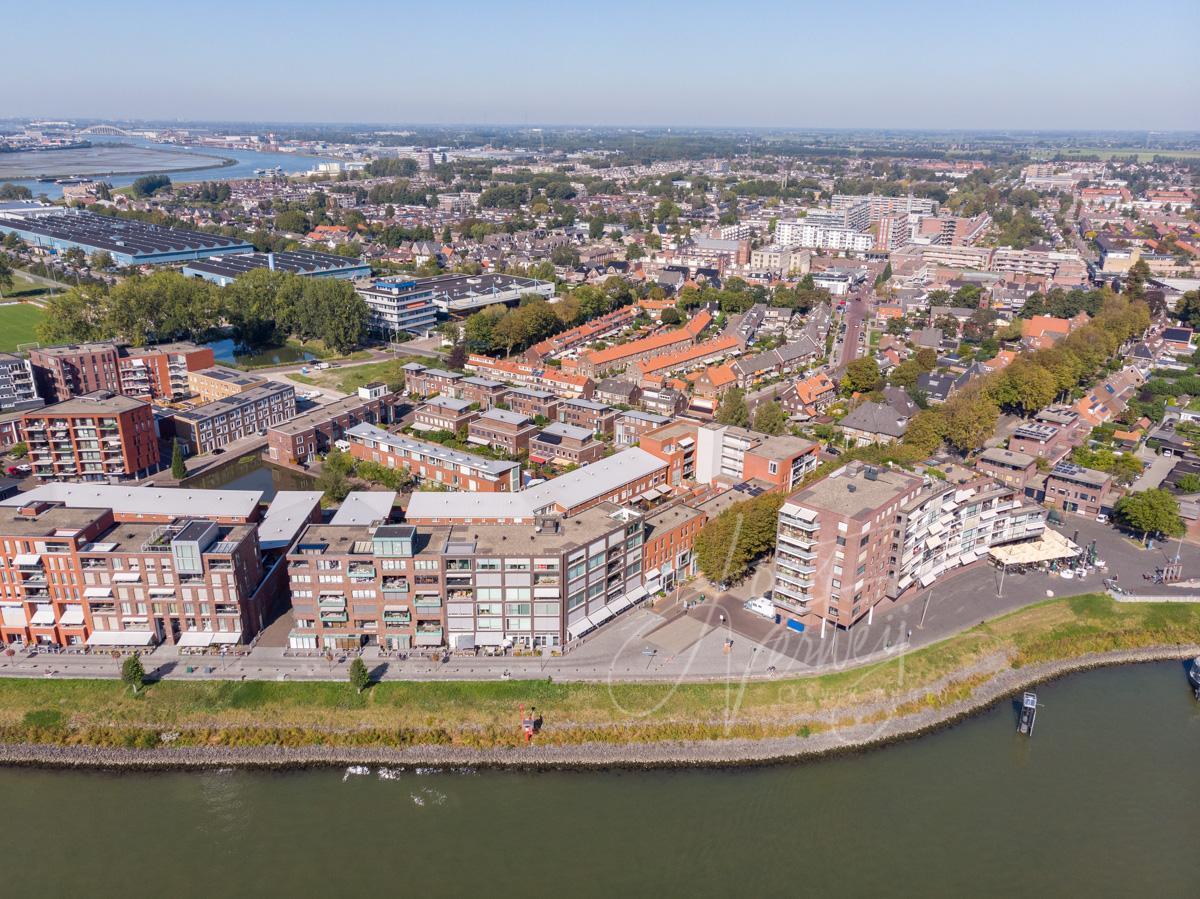 Luchtfoto Merwehoofd in Papendrecht