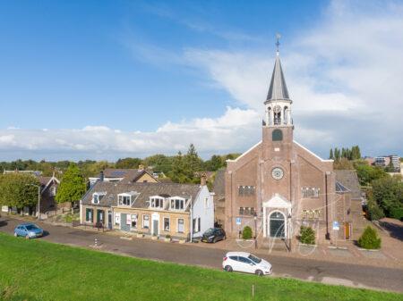 Luchtfoto Grote Kerk Papendrecht