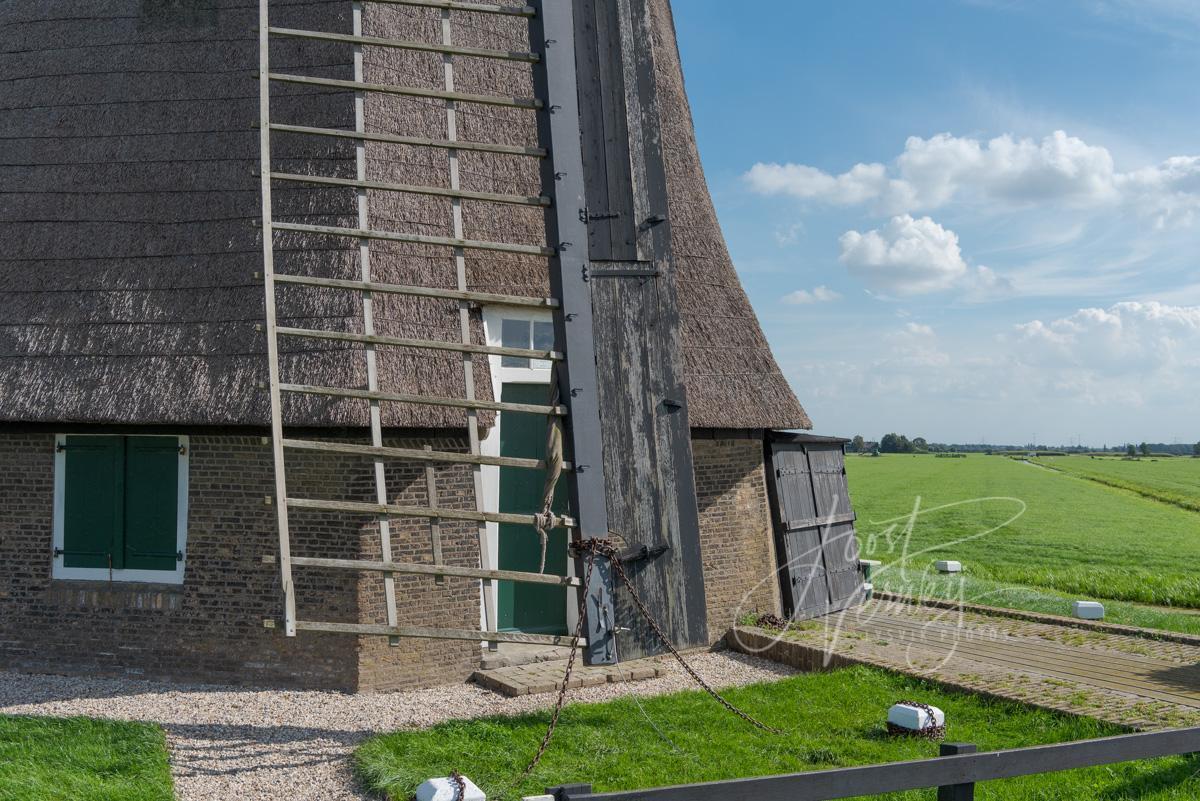 Detail van Achtkante molen in Streefkerk