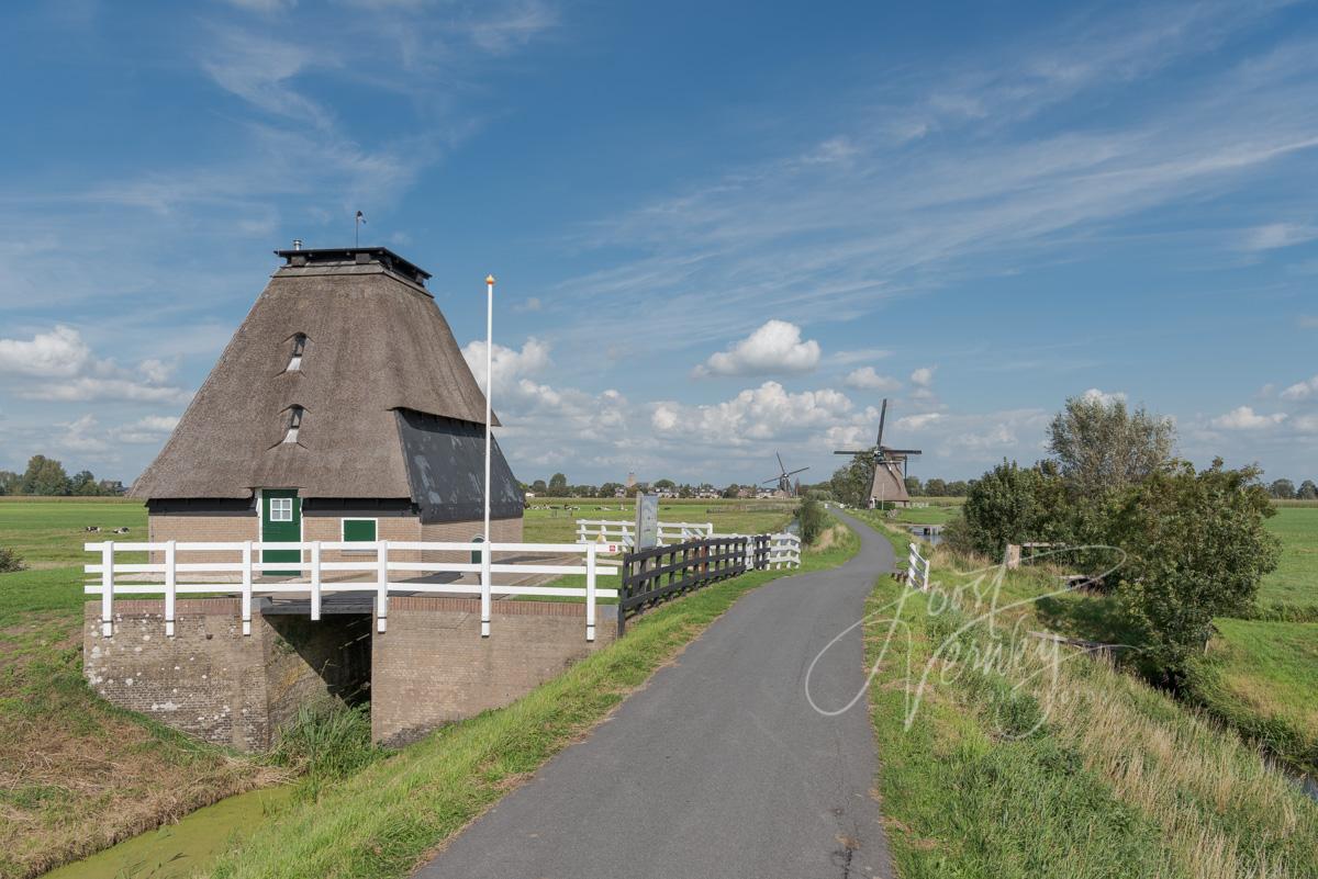 Hoge Tiendwegsemolen in Streefkerk