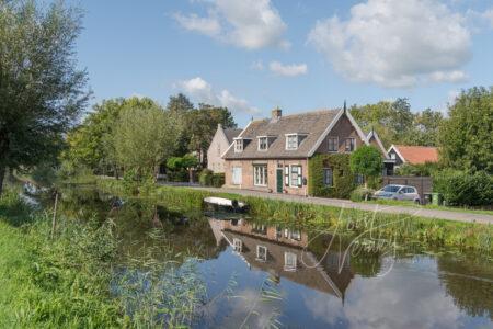 Lintbebouwing aan de Gijbelandsedijk in Brandwijk