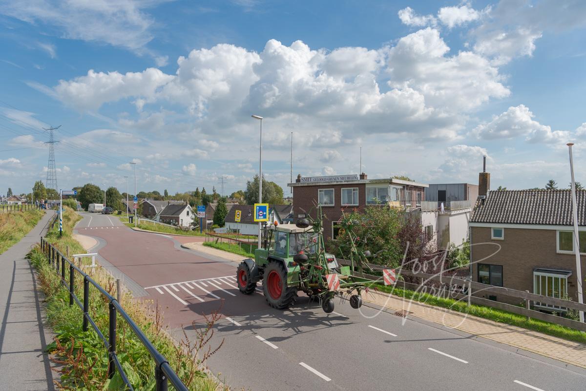 Tractor op de Lekdijk