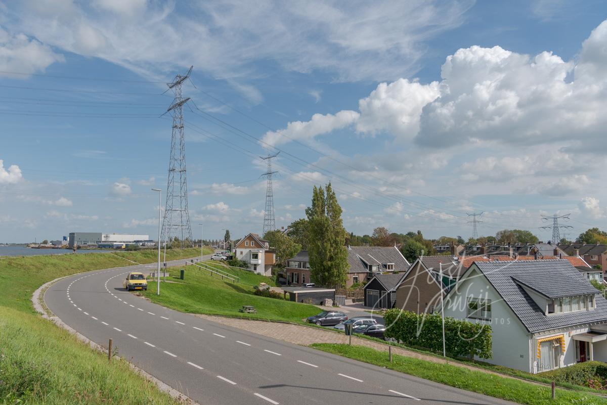 Dijkwoningen langs de Lekdijk