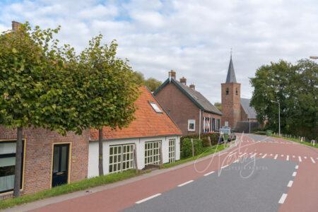 Kerk aan Lekdijk in Tienhoven