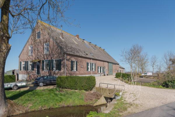 Monumentale boerderij in het buurtschap Broek