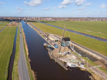 Luchtfoto Graaflandse molen in Groot-Ammers