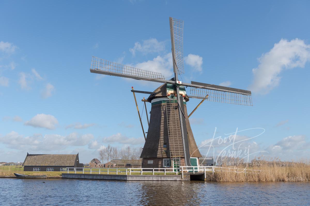 Achtkante molen in Groot-Ammers
