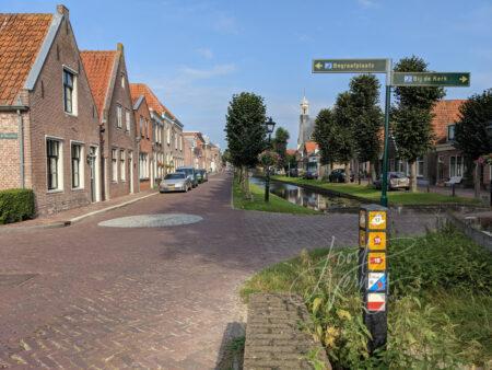 Woonhuizen langs de binnenhaven in Nieuwpoort