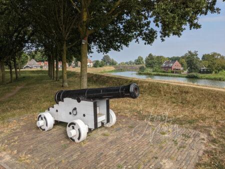 Kanon op vestingwal in Nieuwpoort